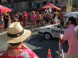 A crowd near Le Bistroquet in Daglan