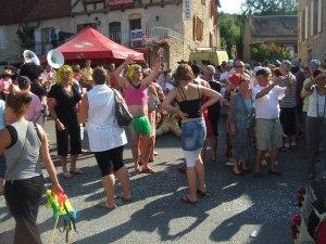 Crowd scene at Daglan's parade