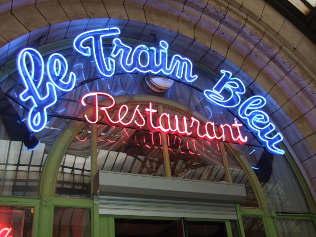 Neon sign for Le Train Bleu
