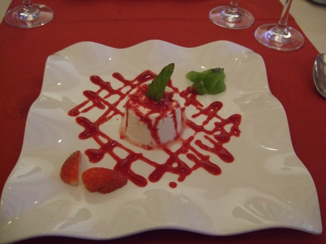 A dessert plate of fromage blanc
