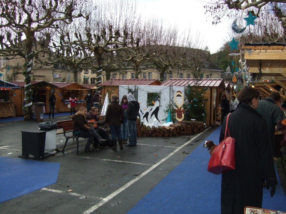 Your Christmas tour of Sarlat, France (3/6)