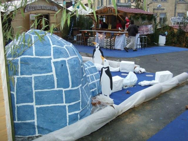 Penguin display at Sarlat's Christmas Village