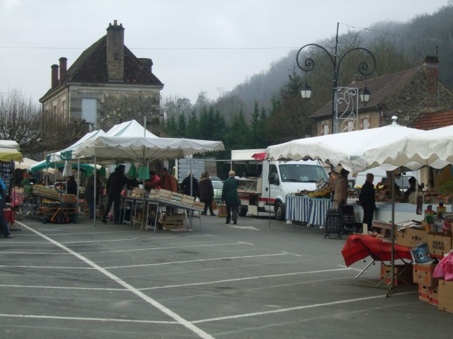 Cénac market