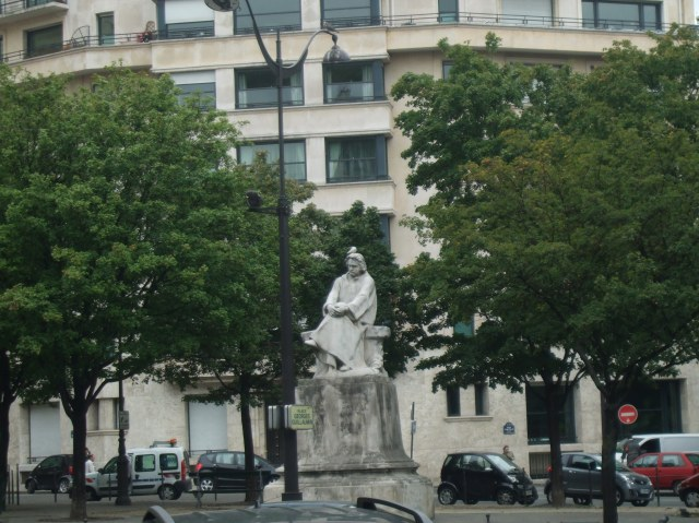 Balzac and pigeon