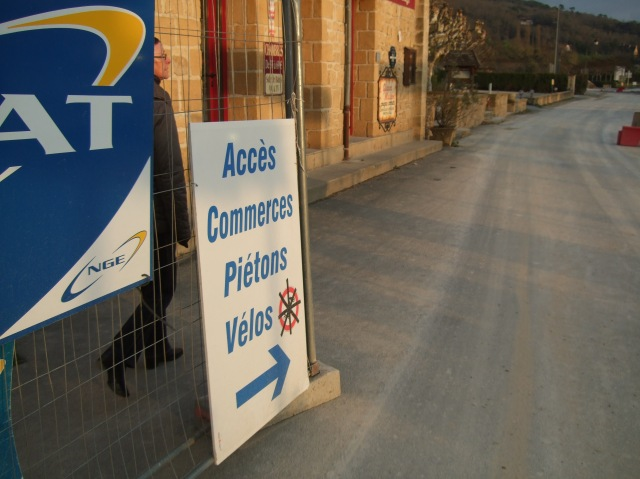 Access to businesses? Walk this way. But no bicycles please!