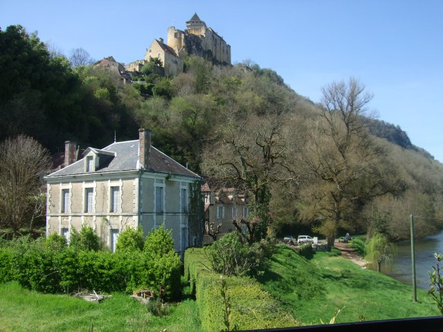 Looking out from Le Tournepique and up to the château.
