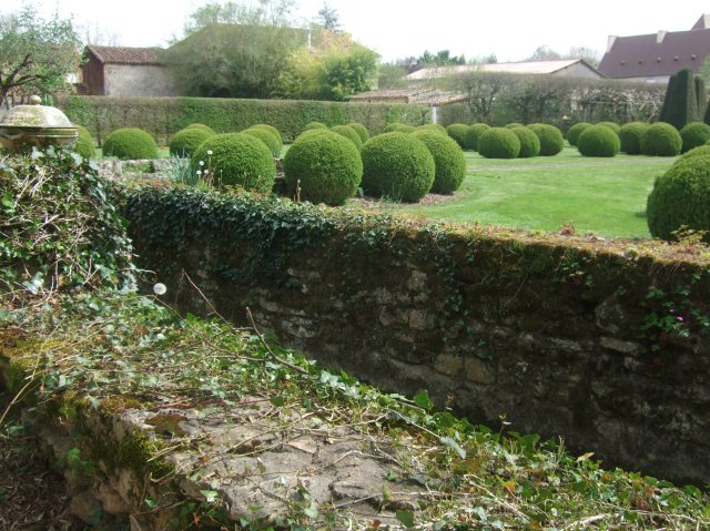 Some of the grounds at Le Vieux Logis in Trémolat.