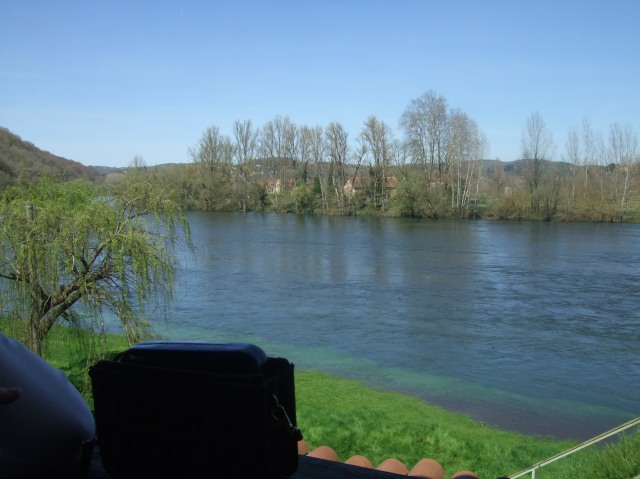 Looking out to the Dordogne River from our table.