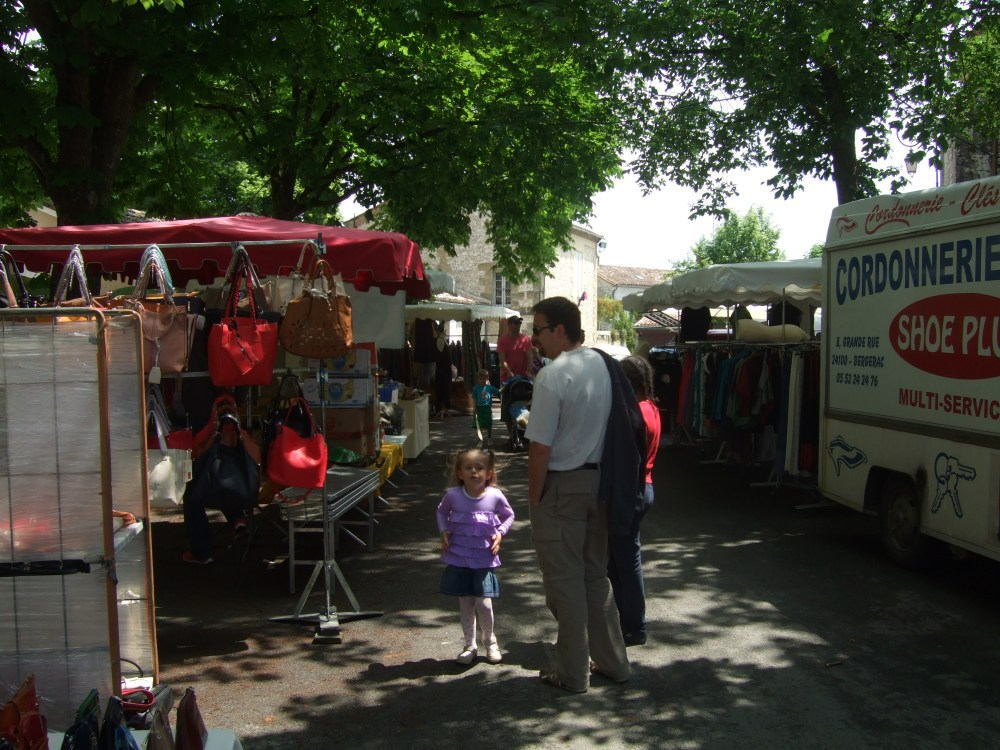 A Sunday market -- in Issigeac (4/6)