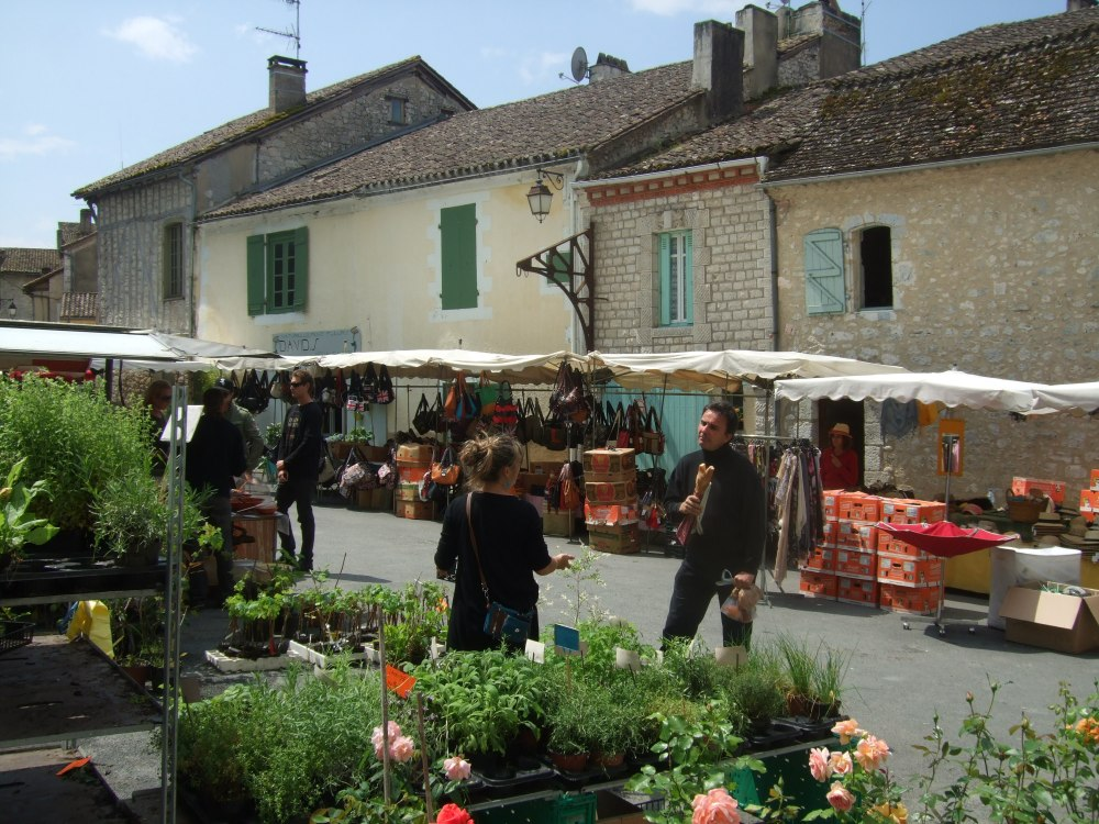 A Sunday market -- in Issigeac (5/6)