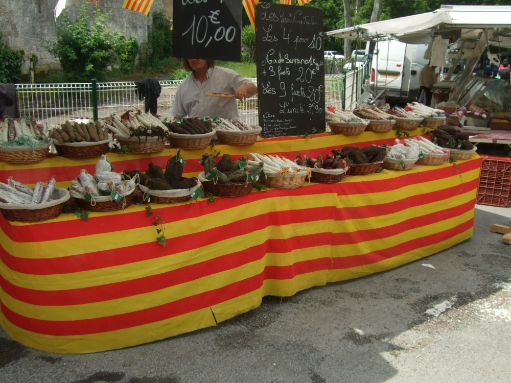 A Sunday market -- in Issigeac (6/6)