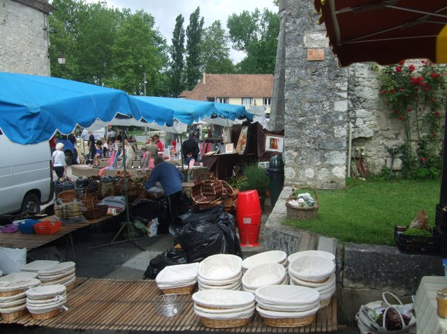 A variety of stalls line the streets of Issigeac.