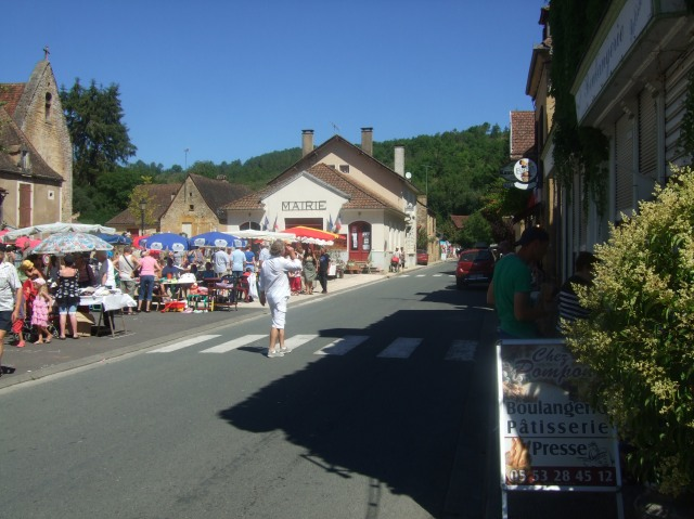 The village of St.-Pompon: Just keep going.