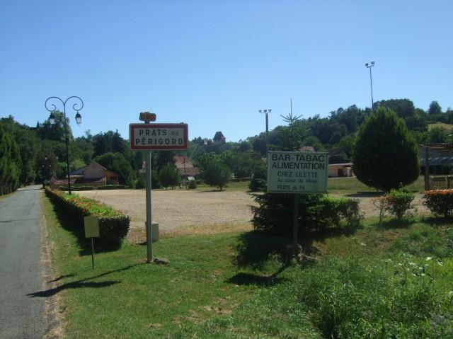 Now you've reached the village of Prats du Périgord.