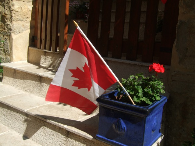 The Maple Leaf in all its glory, in Daglan.