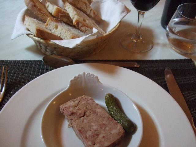 My serving of paté -- delicious.