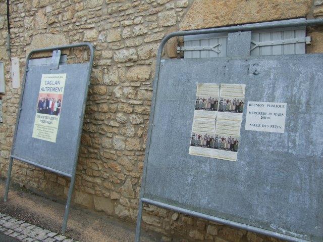 Election signs in Daglan: A closer look.