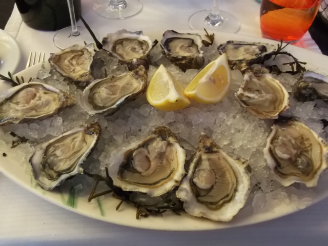 A dozen oysters served at Le Carlotta in Caen.