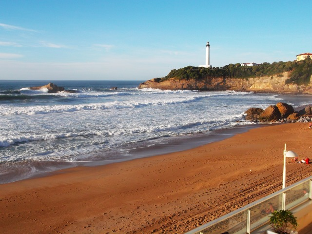 Looking up the beach towards the lighthouse.
