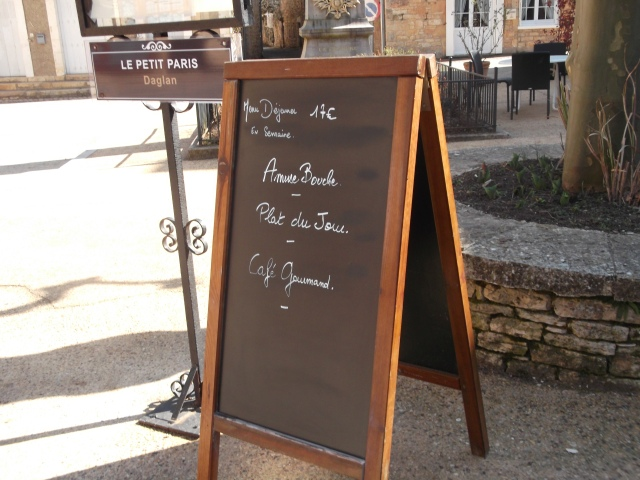 The blackboard out front announces the new 17-euro menu.