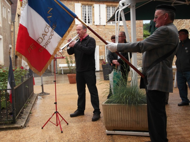 The trumpeter is now a fixture at our 8 mai ceremonies.