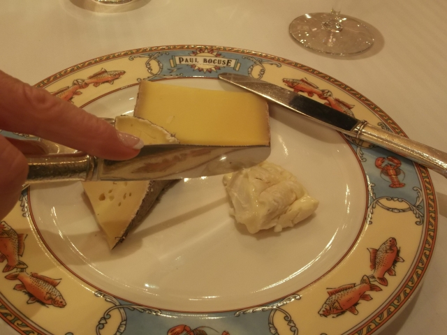 Going in for a bit of cheese.