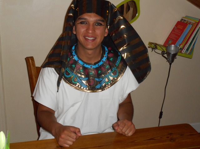 Flash-back to the ancient culture of Egypt.